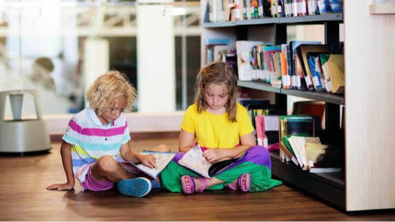 lake-mac-library-kids-reading