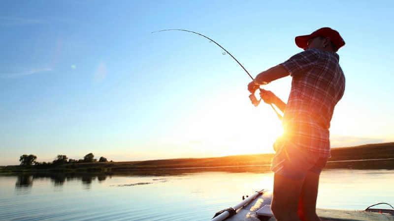 lake-macquarie-fishing-off-boat