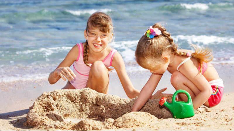 swimming-lake-macquarie-sand-castles