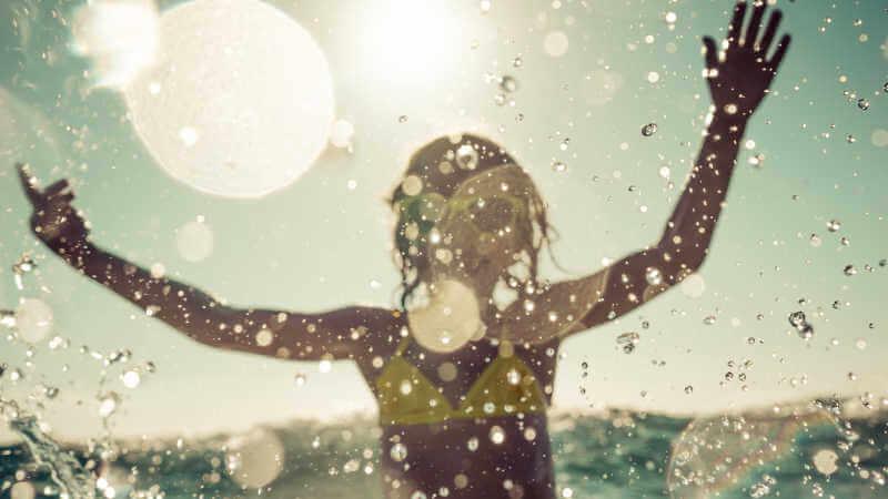 swimming-lake-macquarie-splashing