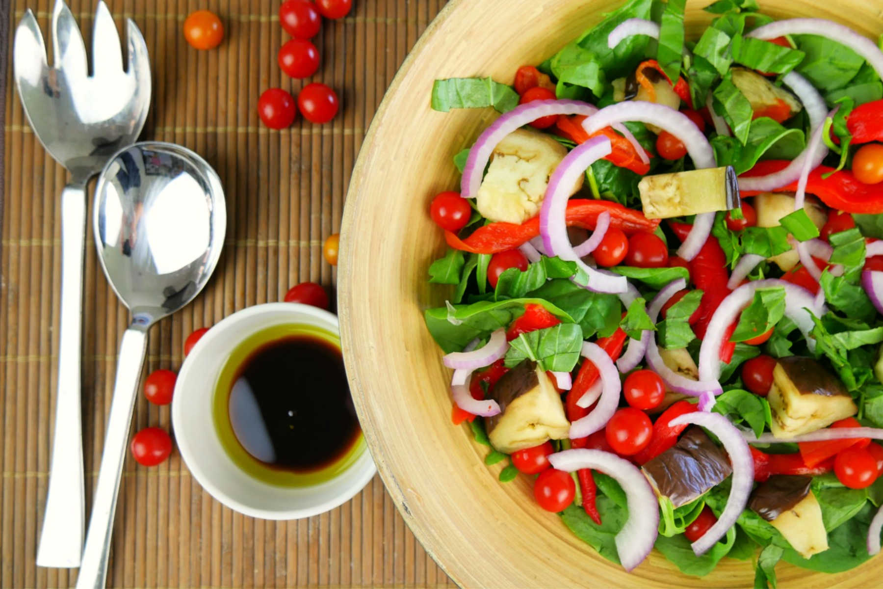 Roasted-capsicum-eggplant-onion-salad