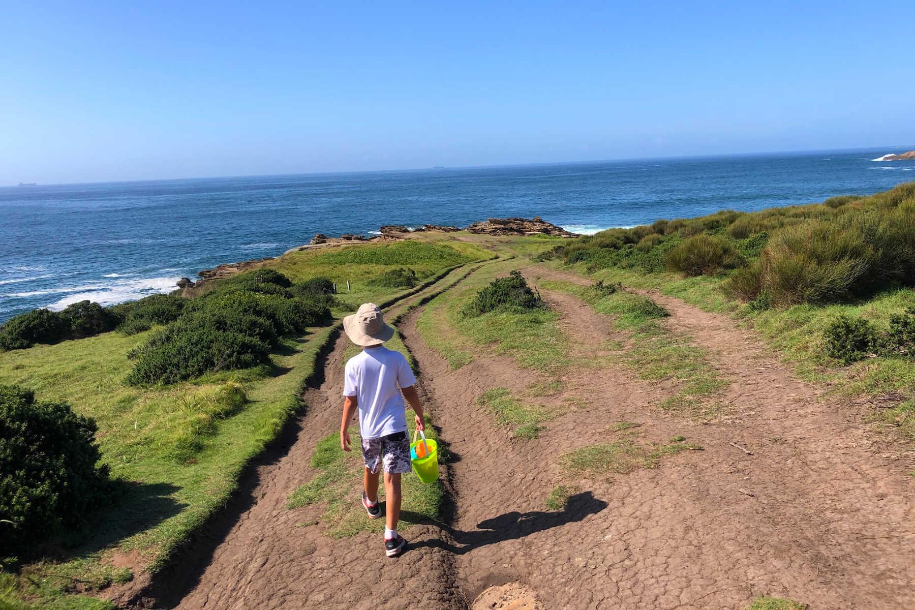 caves-beach-walk-pinny-beach-nsw-quarries-head