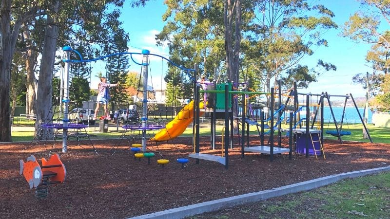 kilaben-bay-reserve-playground-gallery1