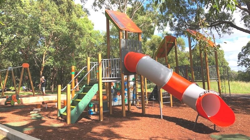 neegulbah-park-playground-macquarie-hills-gallery1
