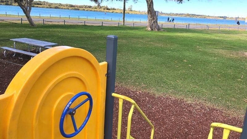 Chapman-oval-playground-gallery6